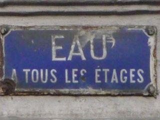 PARIS 18ème, rue Lepic 2009