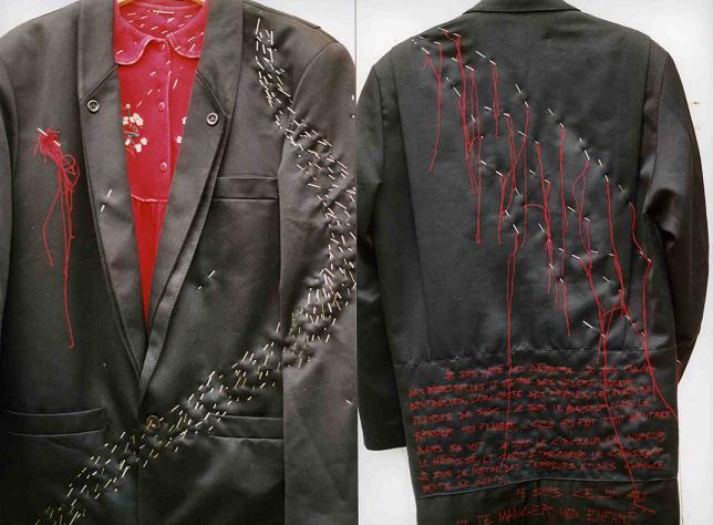 Le manteau de loup doublé chaperon_mfd, 2002