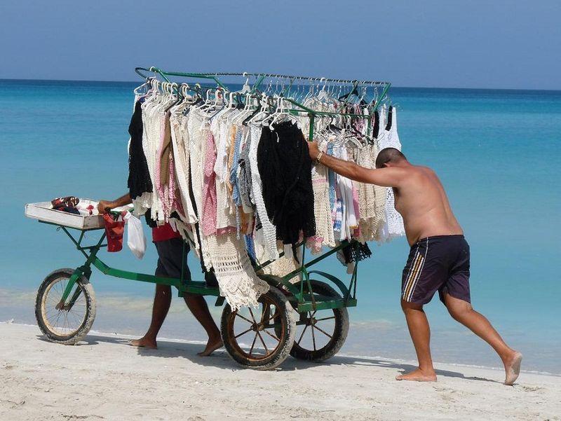 MERCERIE AMBULANTE_Cuba, 2009_ cliché D. T