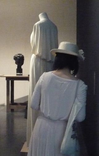15 Madame Grès_mfd 2011