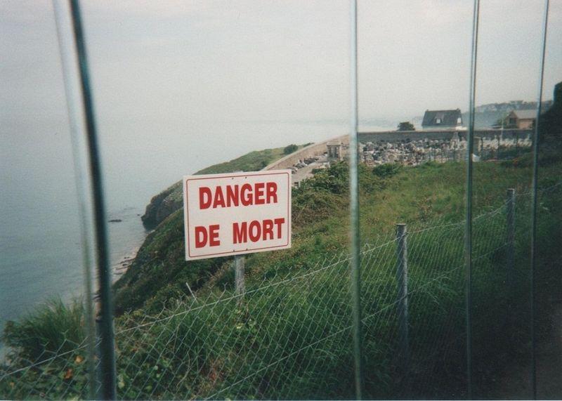 Cimetière de Granville vu de la maison DIOR_mfd, mai 2000