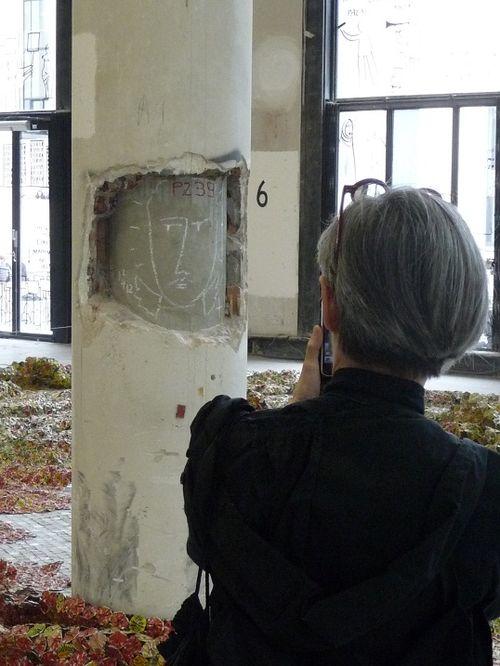 L'Ange et la mercière ambulante Palais de Tokyo_14 06 2012
