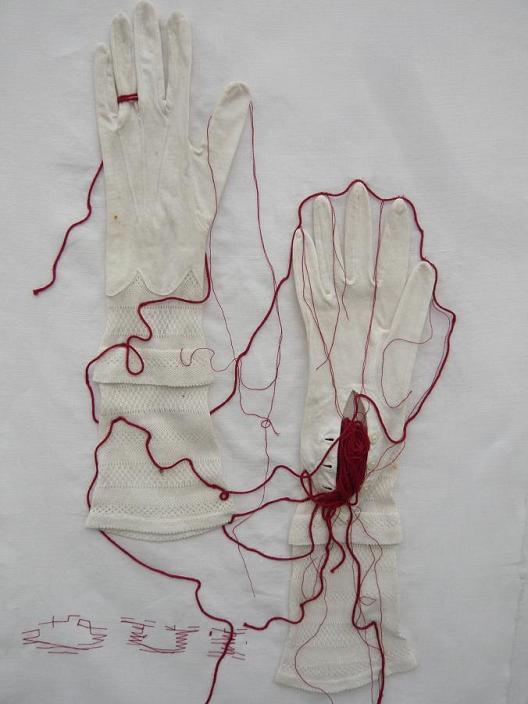 OUI - Les gants de la mariée_mfd, 1999
