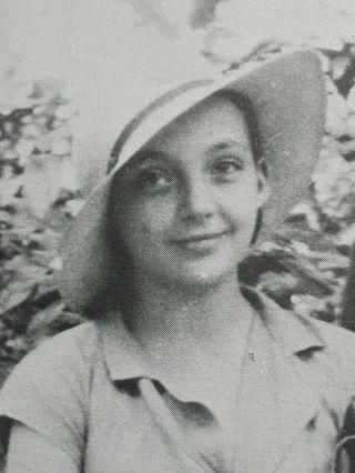 Marguerite Donnadieu, au chapeau feutre
