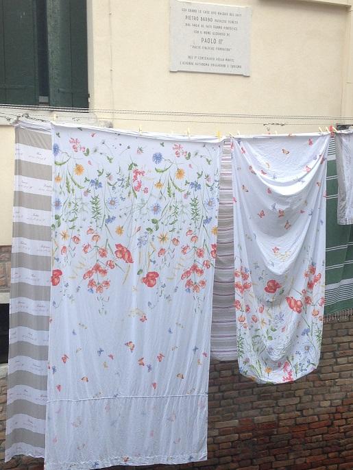La lessive du Pape Paolo 2 (1). VENISE, calle della Pièta. 2015