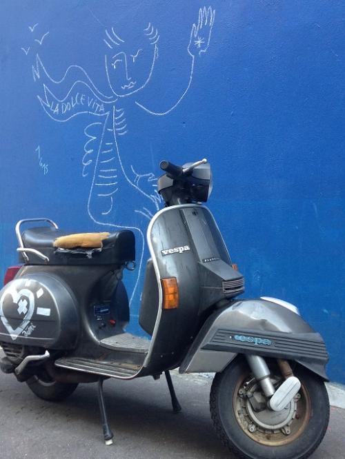 La dolce vita par JC de Castelbajac. Paris  rue Gassendi  02 06 2015