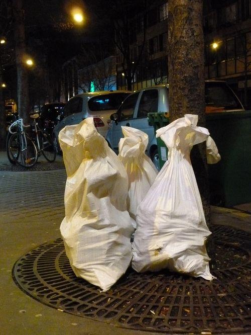 Les 3 Grâces. PARIS, av. d'Ivry_ Cliché mfd, 2013