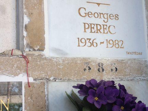 PEREC_ Fil rouge, mfd Juin 2015. Cimetière Père Lachaise
