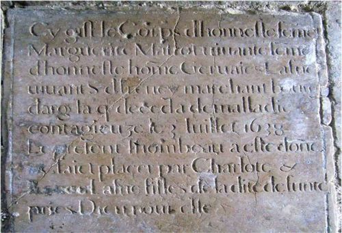 Pierre tombale de Marguerite Matrot.1638. ARGENTAN. Chapelle St Roch