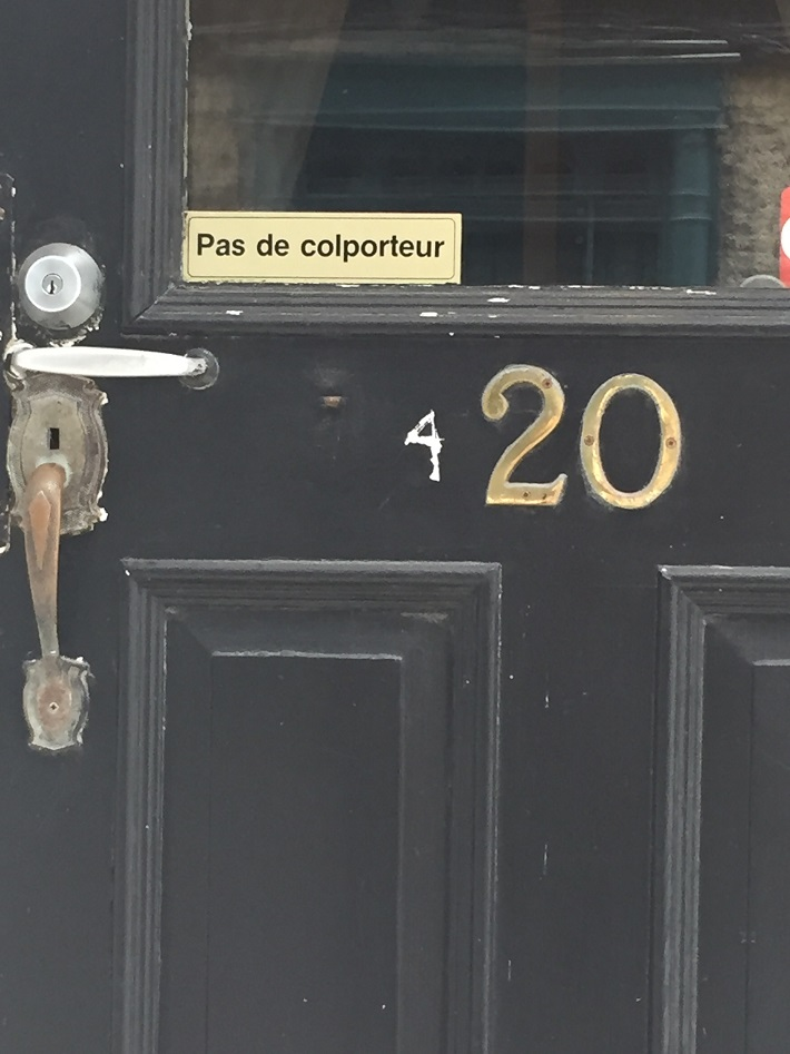 Mercière ambulante, interdite. Québec, 2016 06